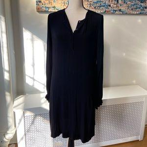 Diane von Furstenberg Black shift dress